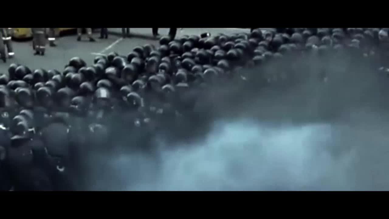 Ceux qui font les révolutions à moitié n'ont fait que se creuser un tombeau - Bande annonce du film